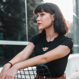 Ayça Özefe (2018) albüm kapak resmi