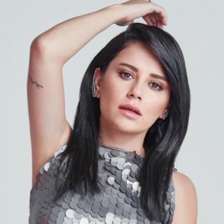 Merve Özbey (2018) albüm kapak resmi