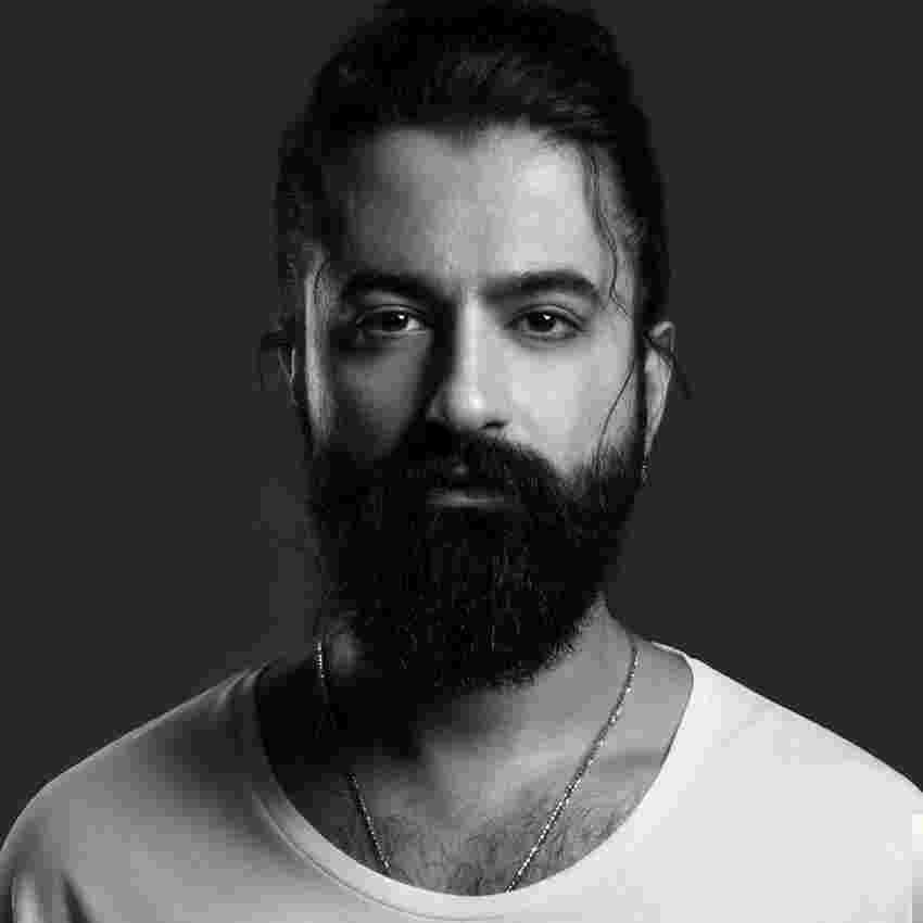 Koray Avcı (2018) albüm kapak resmi